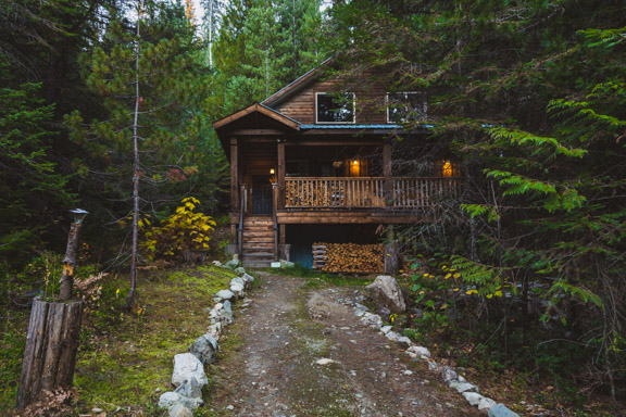 A Peaceful Cabin In The Canadian Woods At Logden Lodge