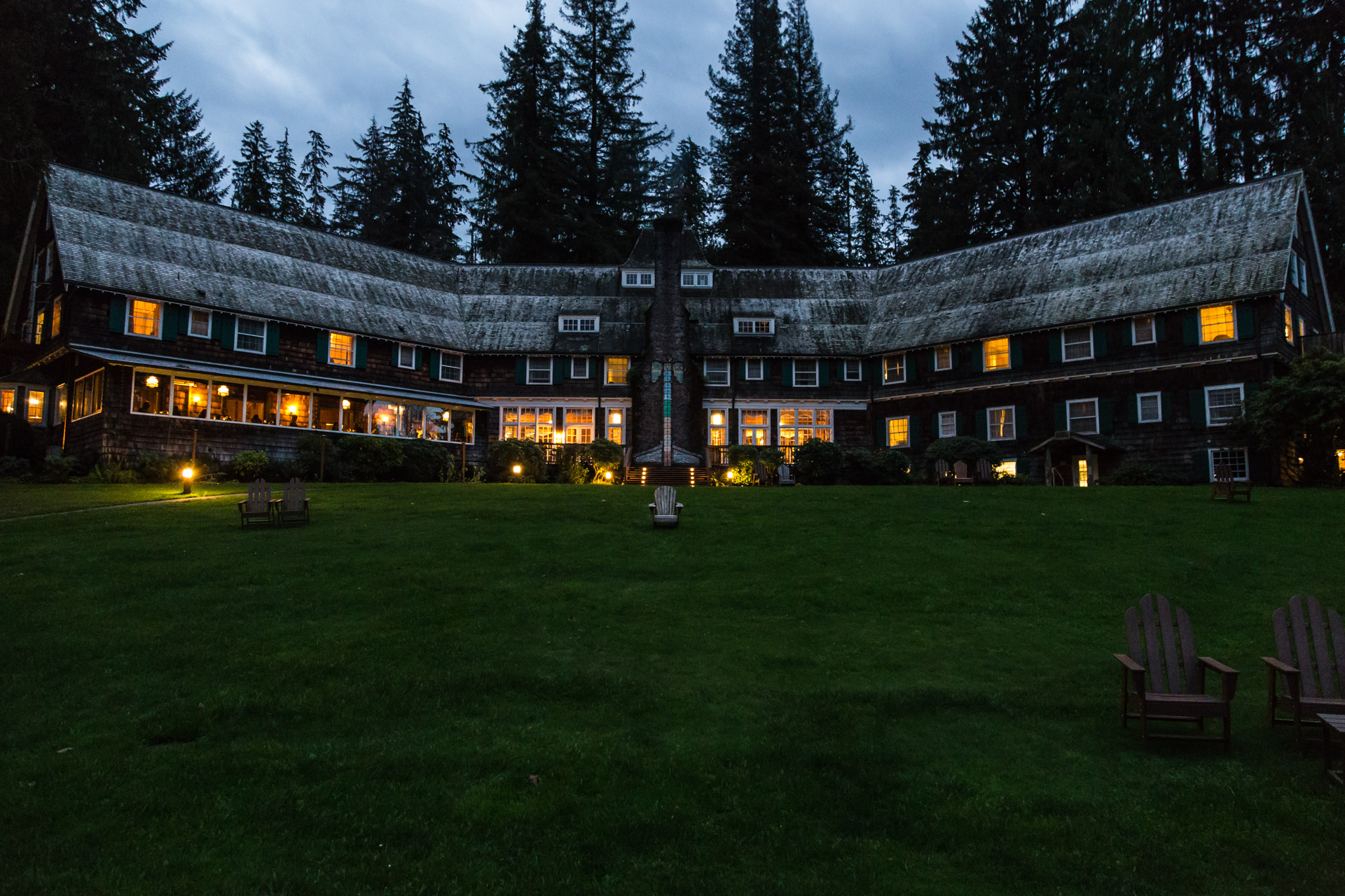 Lake Quinault (lodge night)