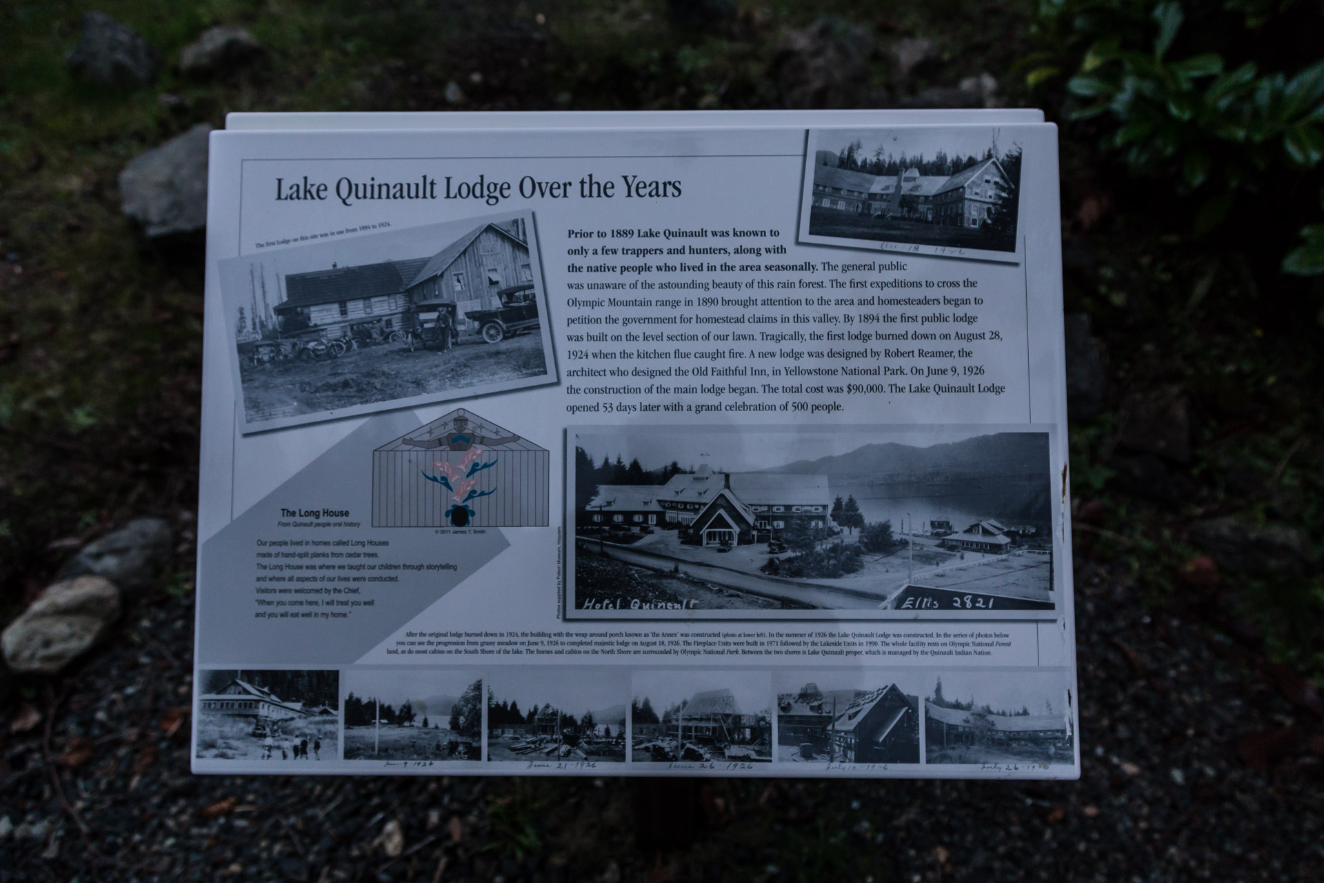 Lake Quinault (sign)